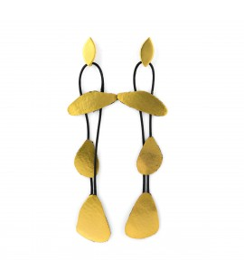Elegant long drop earrings.