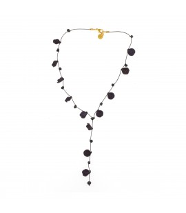 Elegant black petals necklace.