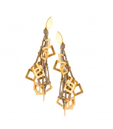 Drop gold plated earring with beige leather.