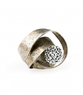Handmade bronze silver plated ring with Swarovski crystals.